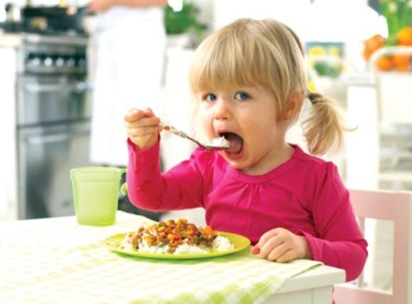 Dez-passos-para-uma-alimentação-saudável-para-crianças-menores-de-2-anos